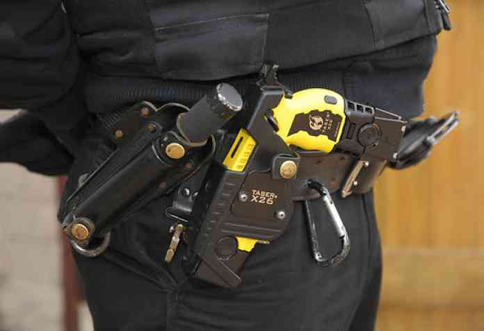 Officers carrying stun guns 'more likely to use force'